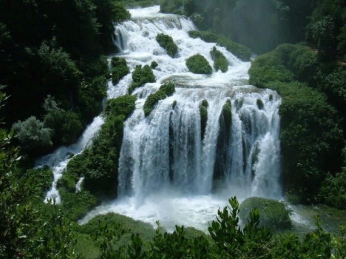 Marmore-cascata