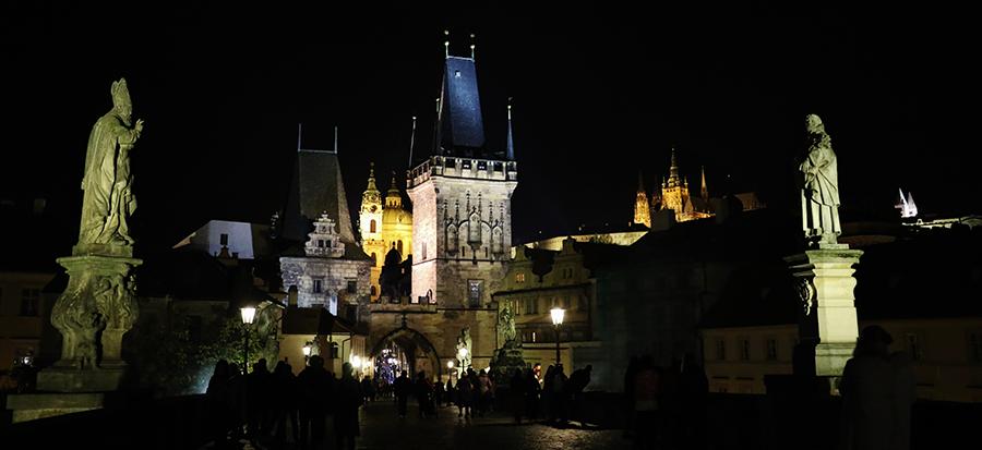 Praga Ponte Carlo Notturno