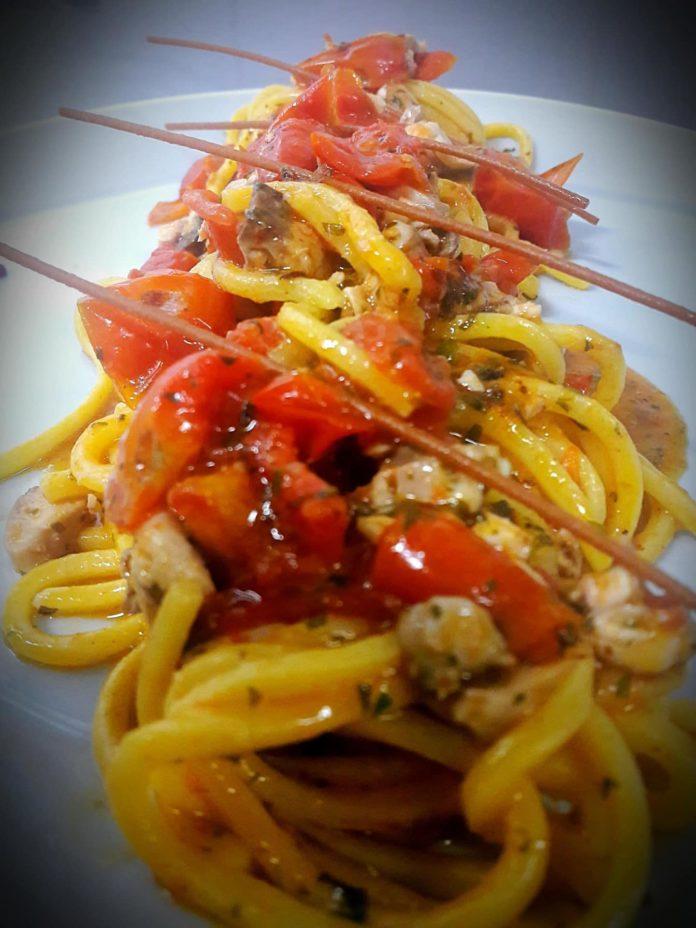 Spaghetti al pesce persico e pachino