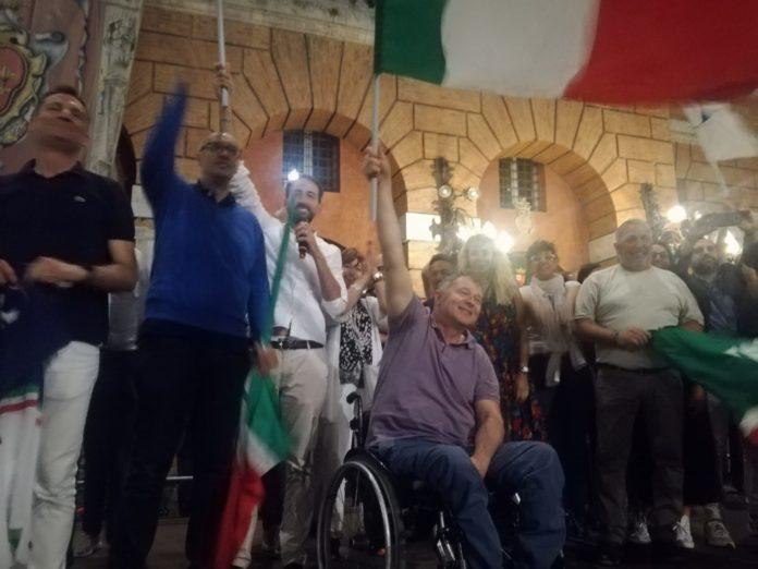Il Sindaco Zuccarini in Piazza della Repubblica